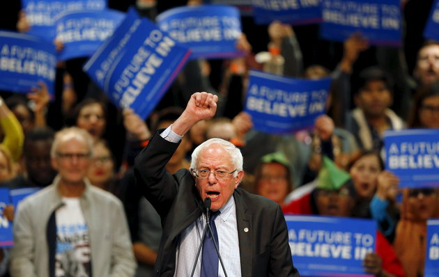 Democratic U.S. presidential candidate Bernie Sanders holds a campaign rally in San Diego, California March 22, 2016.      REUTERS/Mike Blake